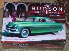 Moebius 1954 Hudson Hornet Special  model kit 1/25