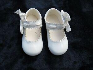 NEW Baby & Girls Spanish Romany White Patent Threaded Ribbon & Bow Shoes