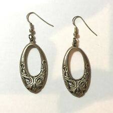 Antique Style / Old Looking (J1) Vintage Styled Silver Plated Earrings -