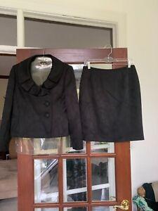 Fabulous  Formal Evan-Picone  Black 2-Piece Lined Suit size 8P