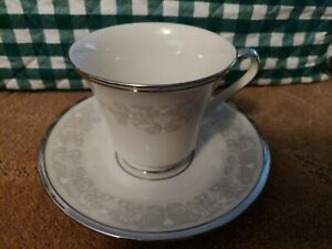 Lenox Snow Lily Cup and Saucer 12 Set(s) lot