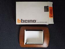 BTICINO L4803LNC Living International placca 3 moduli legno noce - Originale