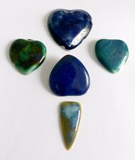 A COLLECTION OF 5 UNMOUNTED RUSKIN POTTERY PENDANT PIECES - 4 CHIPPED, 1 NOT