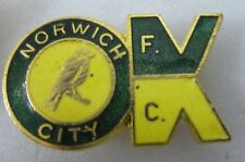 NORWICH CITY Enamel FOOTBALL Pin Badge OLD/ VINTAGE COFFER = OK