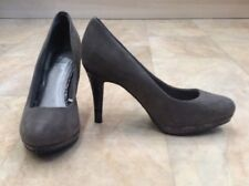 F&F Suede Round Toe Court Shoes Heels 3.6 Inch Snakeskin Pattern Size 3