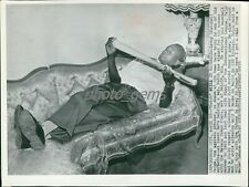 1959 Satchel Paige Relaxes Awaits Call from Major League Club Orig Wire Photo