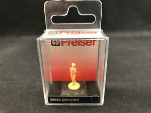 Preiser Model (Nude) 1:87 HO Scale Figure 29033 New in Case Free Shipping