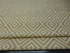 GOLD GEOMETRIC DESIGN BLACKOUT LINED ROMAN BLIND MADE TO MEASURE.