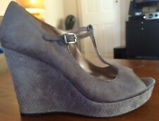 Women's VINCE CAMUTO Gray Suede Wedge T-Strap Shoes Size 10