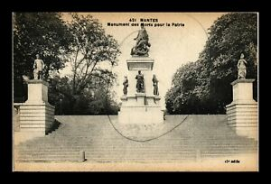 DR JIM STAMPS MONUMENT TO THE DEAD NANTES FRANCE POSTCARD