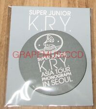 SUPER JUNIOR K.R.Y. ASIA TOUR PHONOGRAPH IN SEOUL OFFICIAL PIN BUTTON NEW
