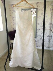Ex Sample Pronuptia Wedding Dress Ivory Size 12 RRP £690