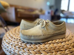 Clarks Weaver Maple Suede Size 7.5 Mens