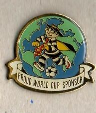 BADGE 3 McDONALDS WORLD CUP FRANCE 1998 VINTAGE ENAMEL PIN IN MINT CONDITION