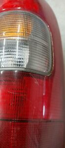 1999 - 2005 CHEVY VENTURE RIGHT REAR TAIL LIGHT HOUSING LENS