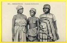 cpa Las niñas de MADAGASCAR Mädchen Girls Malagasy FEMMES ZAFIMANIRY Seins Nus
