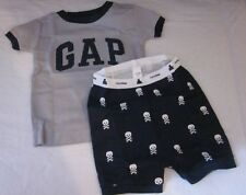 Baby GAP Skull & Cross Bones Pajama Set Short Sleeve Top & Shorts 6-12 Mos. New