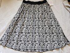 Lularoe Medium Jill skirt Noir Blanc Black White LACE Paisley Flowers floral