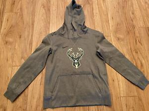 Nike Youth Grey Milwaukee Bucks Sweatshirt. Sz M (10/12). VGUC