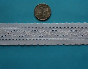 NEW FLORAL GARLAND HEIRLOOM  SEWING  SWISS EMBROIDERED INSERT LACE BTY