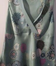 """Pure Silk Planet green floral """"V"""" neck vest top, in size 8, sleeveless, CLASSIC!"""