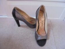 CHANEL GORGEOUS CRACKLE LEATHER OPEN TOE SHOES SIZE 38