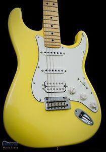 Fender Player HSS Stratocaster BC  Buttercream