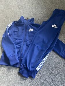 Nike Boys Tracksuit 6-8 Yrs EXCELLENT CONDITION
