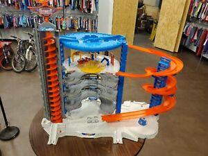 HOT WHEELS Toys SUPER ULTIMATE GARAGE PLAYSET