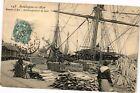 CPA Boulogne - sur - mer .- Bassin a flot .- Dechargement de bois (196389)