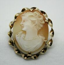 Lovely 9ct Gold Mounted Carved Cameo Brooch/ Pendant