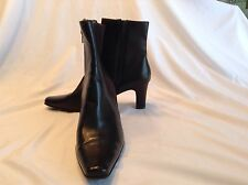 Liz Claiborne ladies brown fabric/synthetic ankle boots in size 8.5 medium