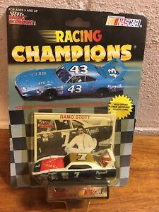 RAMO STOTT #7 PLYMOUTH SUPERBIRD 1/64 RACING CHAMPIONS 1991 NASCAR DIECAST