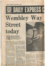 Daily Express pullout FA Cup Final 1975 Fulham v West Ham United programme