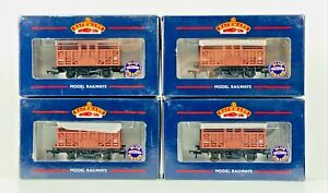 BACHMANN 00 GAUGE - 37-700A - RAKE OF 4 10 TON CATTLE WAGONS BR BAUXITE BOXED
