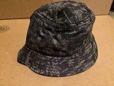 08519d25228 Men s Fitted Bucket Hat Hawaiian Print Size L XL New Tag