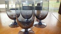 Blue Water Goblets Glasses footed stems 4 12 ounce elegant stemware EUC