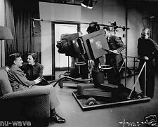 Grace Brandt  Eddie Albert in a 1937 NBC television program The Honeymooners