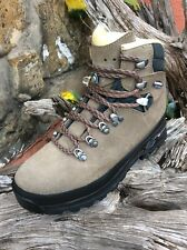 Lowa Bang Pro Hiking  Boots Size 7 Taupe Color.
