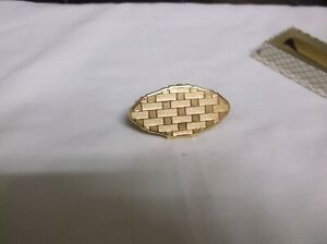 VINTAGE STRATTON GOLD TONE LIP STICK. HOLDER WITH MIRROR. EMBOSSED DETAIL.