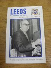 1974/1975 liga de rugby: Leeds oficial club de seguidores Manual (menor marca T