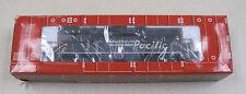 Atlas Master Line Locomotives Southern Pacific GP-40 Locomotive #8924