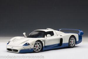 MASERATI MC12 ROAD CAR PEARL WHITE & BLUE 1:18 by AUTOART 75801 BRAND NEW IN BOX