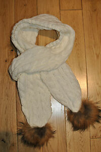 NEW WHITE WOOLEN SCARF WITH TWO AUTHENTIC RACCOON FUR POM POMS.UK STOCK.FREEPOST