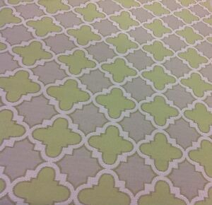 Duralee OUTDOOR Fabric- Geometric Quatrefoil Trellis/Keylime (15416-546) 1.10 yd
