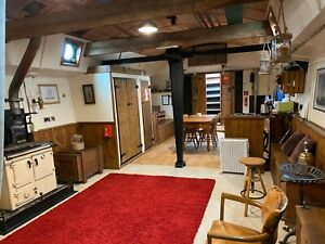 Cosy spacious liveaboard Barge