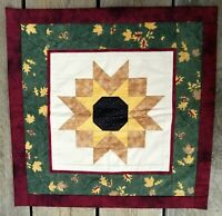 """Vintage Hand Made/Machine Stitched Wall Hanging Quilt ~ 22 1/2""""x 22 1/2"""" Lovely!"""