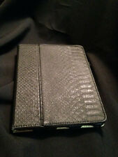 GRIFFIN FOLIO/IPAD 2,3,OR 4 COVER BLACK LEATHER LOOK GOLD INSIDE
