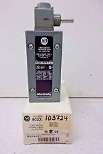 ALLEN BRADLEY 802X-A4-W1A PROXIMITY LIMIT SWITCH NEMA 4 Series C, ROLLER LEVER