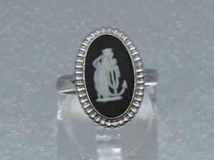Vintage Wedgwood & Silver Ring